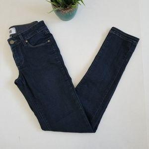 Paige Skyline Skinny Jeans in Twilight Size 24